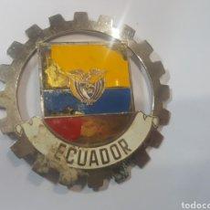 Coches y Motocicletas: EXCEPCIONAL Y ANTIGUA PLACA ESMALTADA PARA COCHE ROTARY CLUB. 8 CM. ECUADOR. IMPECABLE. Lote 219144126