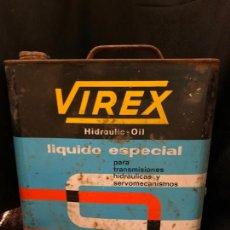 Coches y Motocicletas: ANTIGUA LATA DE ACEITE VIREX HIDRAULIC OIL. LE FALTA EL TAPON. MARCA DIFICIL DE ENCONTRAR. 25X23X10. Lote 268871474