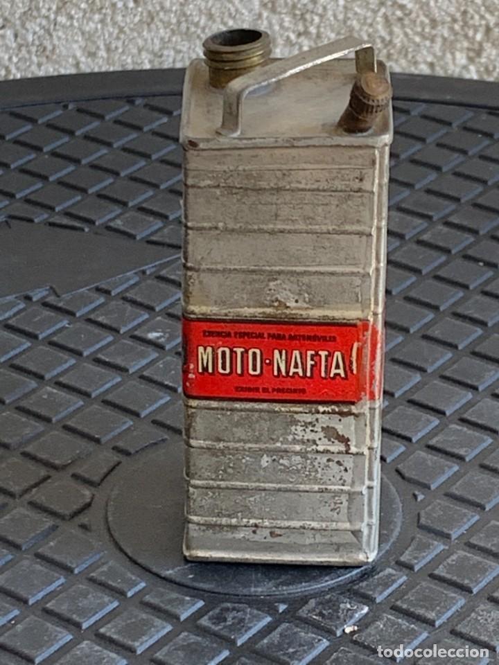 Coches y Motocicletas: BIDON MINIATURA MOTO NAFTA ACEITE AUTOMOVILES ESENCIA ESPECIAL MITAD S XX PUBLICIDAD 9X3X3CMS - Foto 2 - 276915518