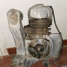 Carros e motociclos: MOTOR INCOMPLETO DE MOTO VESPA 150S, SEGUNDA SERIE. 1964.LEER BIEN EL ANUNCIO Y VER LAS FOTOS. Lote 284707023