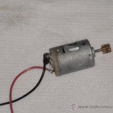 Repuestos y piezas: MOTOR ELECTRICO A 12 V . PARA COCHE MODELISMO ( FUNCIONANDO ) .. Lote 23972430