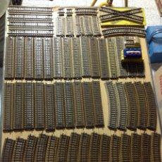 Repuestos y piezas: LOTE DE 60 VÍAS D ELECTROTREN Y MARKLIN. Lote 152676364