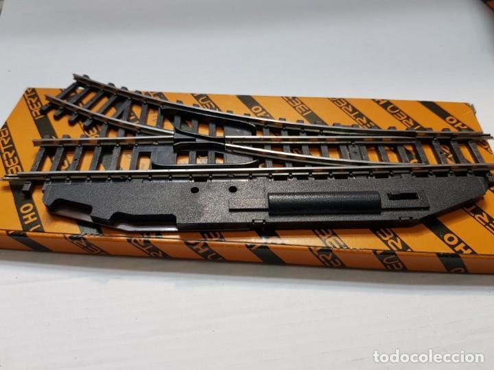Repuestos y piezas: Ibertren H0 Cambio de vias eléctrico Derecho en blister - Foto 2 - 194993895