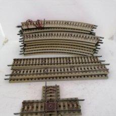 Repuestos y piezas: GRAN LOTE VIAS DE CHAPA PAYA - 16 VIAS CURVAS, 4 VIAS RECTAS , CRUCE DE VIAS. Lote 214345857