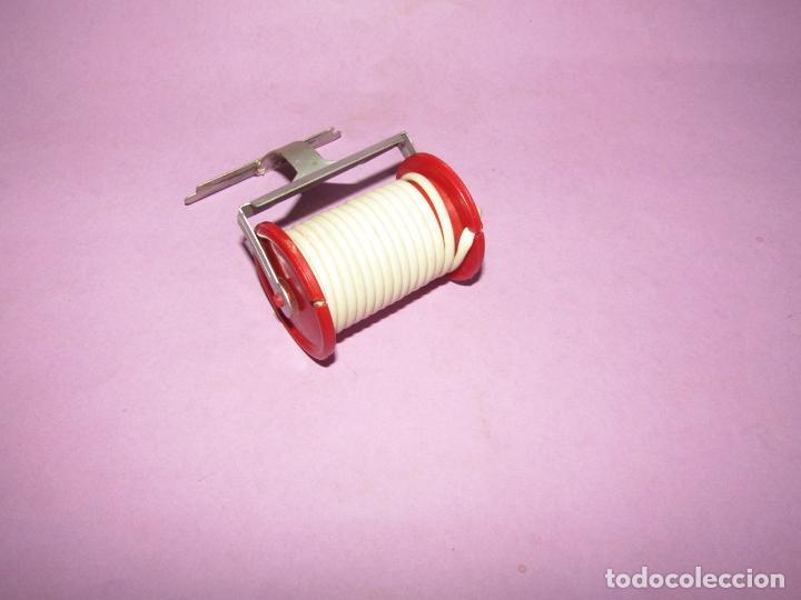 Repuestos y piezas: Antiguo Soporte Rulo con Manguera de Camión de Bomberos en Metal y Plástico - Foto 4 - 225570355