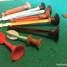 Repuestos y piezas: FLECHAS DE PLÁSTICO Y GOMA ANTIGUAS. Lote 237005975