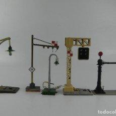 Peças sobresselentes e peças: COLECCIÓN LOTE DE ACCESORIOS SEMAFOROS LAMPARAS PARA CIRCUITOS DE TRENES. Lote 275745348