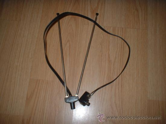 ANTENA DE TELEVISOR ANTIGUA (Radios, Gramófonos, Grabadoras y Otros - Repuestos y Lámparas a Válvulas)
