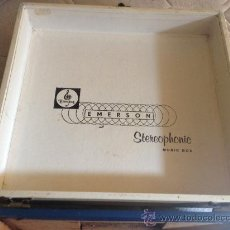 Radios antiguas: CAJA DE PICK-UP. EMERSON STEREOPHONIC MUSIC BOX. AÑOS 60.. Lote 34100149