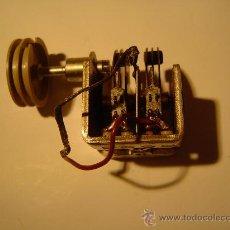 Radios antiguas: CONDENSADOR VARIABLE CON VOLANTE CUERDA DIAL. Lote 43648661