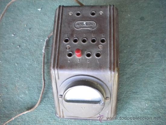 ELEVADOR DE BAQUELITA ANALDO, 15X9X8 (Radios, Gramófonos, Grabadoras y Otros - Repuestos y Lámparas a Válvulas)