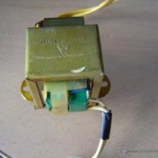 Radios antiguas: TRANSFORMADOR ENTRADA 220, SALIDA 12V.. Lote 44775251