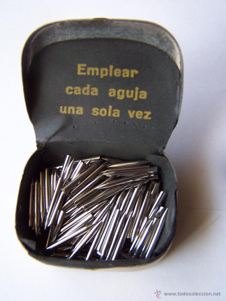 Radios antiguas: Cajita con 150 púas de gramófono sin usar de la marca la voz de su amo. - Foto 3 - 49079785