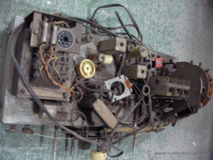 Radios antiguas: ANTIGUO CHASIS DE RADIO A LAMPARAS O VALVULAS - Foto 3 - 54527822