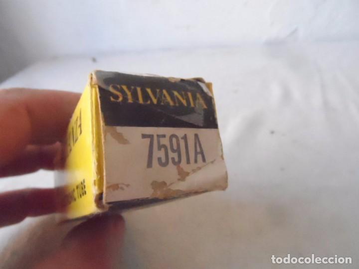 Radios antiguas: RADIO VALVULAS CAJA ANTIGUA SYLVANIA ELECTRONIC TUBE - Foto 3 - 79653005