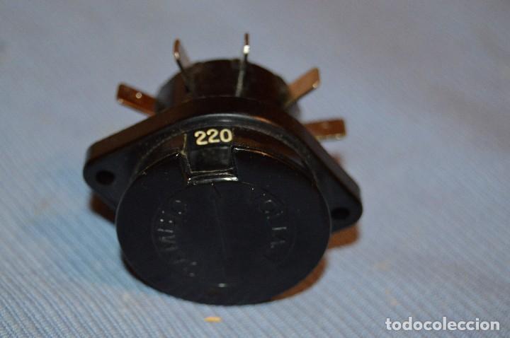 Radios antiguas: Conmutador tensión o voltaje 125/220 - Para radios o amplificadores antiguos de válvulas - Bakelita - Foto 2 - 97035143