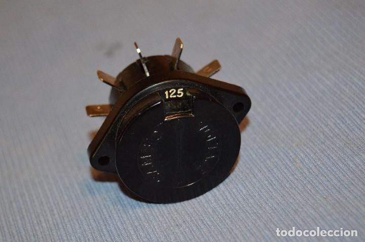 Radios antiguas: Conmutador tensión o voltaje 125/220 - Para radios o amplificadores antiguos de válvulas - Bakelita - Foto 6 - 97035143