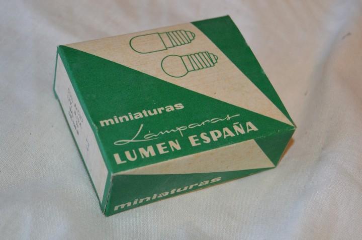 Radios antiguas: DIAL RADIO - Caja ORIGINAL, con 20 lámparas LUMEN - BA. 9s - 12 V / 0,10A - Ref. DR 121-B - BAYONETA - Foto 3 - 216359058