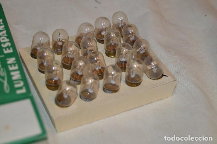 Radios antiguas: DIAL RADIO - Caja ORIGINAL, con 20 lámparas LUMEN - E 10 - 12 V / 0,10A - Ref. DR 121-E - De ROSCA - Foto 4 - 216362212