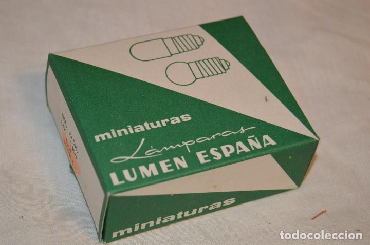 Radios antiguas: DIAL RADIO - Caja ORIGINAL, con 20 lámparas LUMEN - E 10 - 12 V / 0,10A - Ref. DR 121-E - De ROSCA - Foto 7 - 216362212