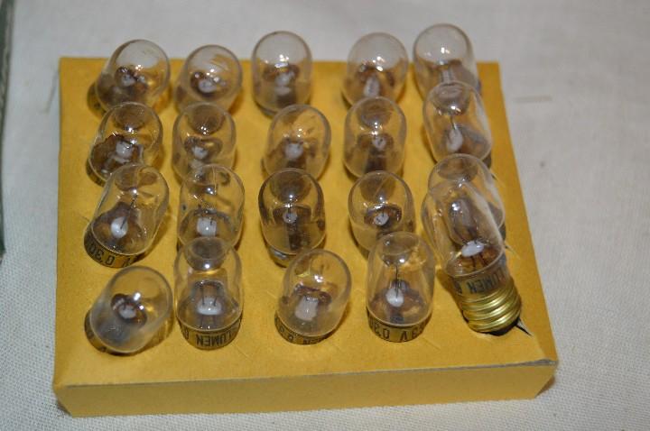 Radios antiguas: DIAL RADIO - Caja ORIGINAL, con 20 lámparas LUMEN - E 10 ROSCA - 6,3 V / 0,30A - Ref. DR 633E - Foto 4 - 172600778