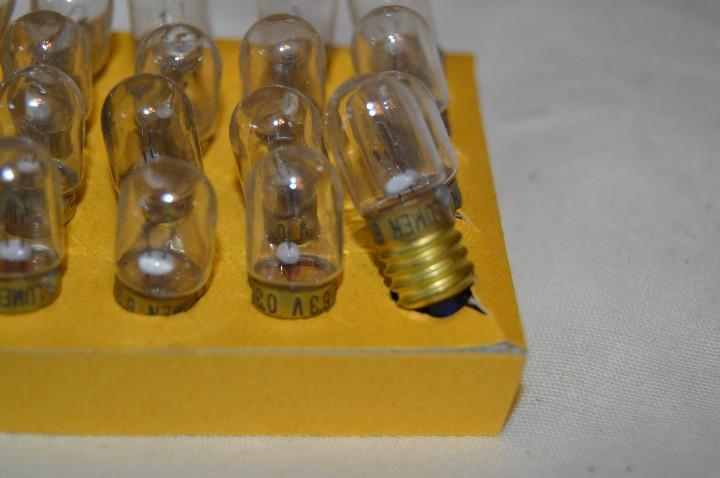 Radios antiguas: DIAL RADIO - Caja ORIGINAL, con 20 lámparas LUMEN - E 10 ROSCA - 6,3 V / 0,30A - Ref. DR 633E - Foto 5 - 172600778