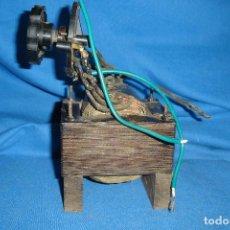 Radios antiguas: GRAN TRANSFORMADOR CON MANDO MUY ANTIGUO. Lote 123534343