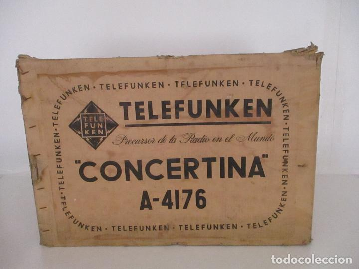 CURIOSA CAJA DE CARTÓN, EMBALAJE ANTIGUA - RADIO TELEFUNKEN CONCERTINA A - 4176 - AÑOS 50 (Radios, Gramófonos, Grabadoras y Otros - Repuestos y Lámparas a Válvulas)