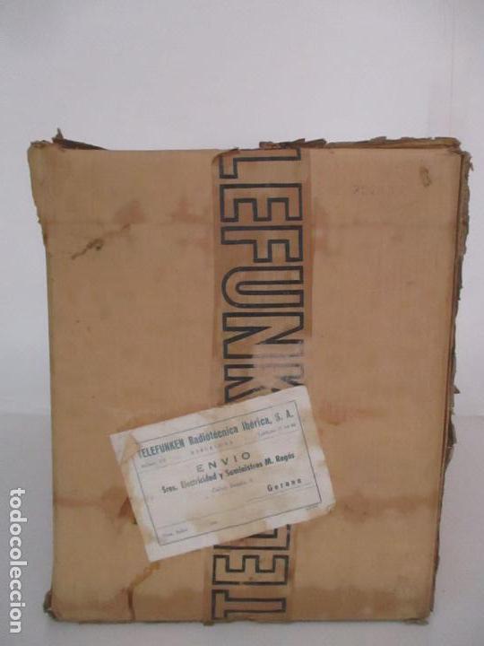 Radios antiguas: Curiosa Caja de cartón, Embalaje Antigua - Radio Telefunken Concertina A - 4176 - Años 50 - Foto 2 - 142375050