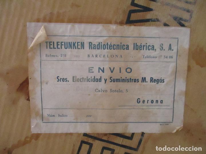 Radios antiguas: Curiosa Caja de cartón, Embalaje Antigua - Radio Telefunken Concertina A - 4176 - Años 50 - Foto 3 - 142375050