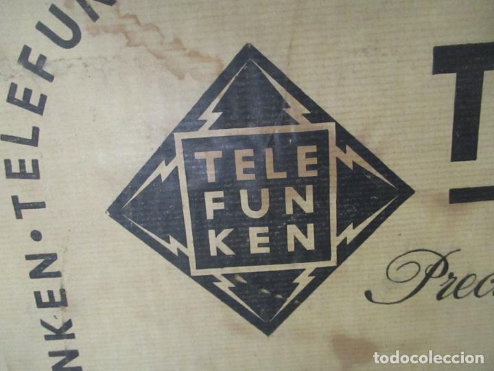 Radios antiguas: Curiosa Caja de cartón, Embalaje Antigua - Radio Telefunken Concertina A - 4176 - Años 50 - Foto 6 - 142375050