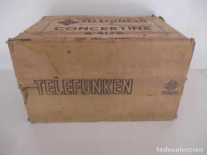Radios antiguas: Curiosa Caja de cartón, Embalaje Antigua - Radio Telefunken Concertina A - 4176 - Años 50 - Foto 8 - 142375050