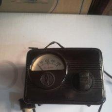Radios antiguas: VOLTIMETRO ESTABILIZADOR ALSAN FUNCIONANDO. Lote 228935715