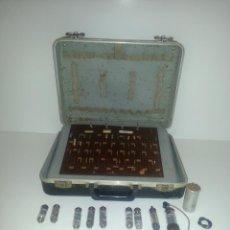 Radios antiguas - Maleta de representante, lleno de valvulas,etc.. - 139403630