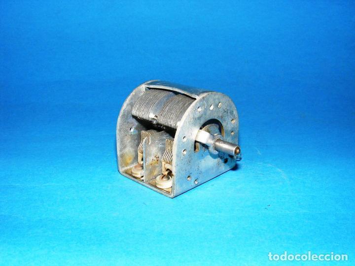Radios antiguas: CONDENSADOR VARIABLE DE 2 SECCIONES PARA RADIO A VÁLVULAS - 2 x 530 pf. - Foto 2 - 144460434