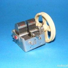 Radios antiguas: CONDENSADOR VARIABLE DE 2 SECCIONES PARA RADIO A VÁLVULAS. Lote 148222198