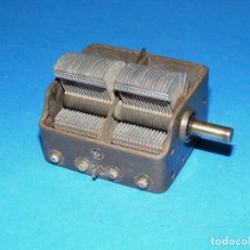 Rádios antigos: CONDENSADOR VARIABLE DE 2 SECCIONES PARA RADIO A VÁLVULAS.. Lote 154168574