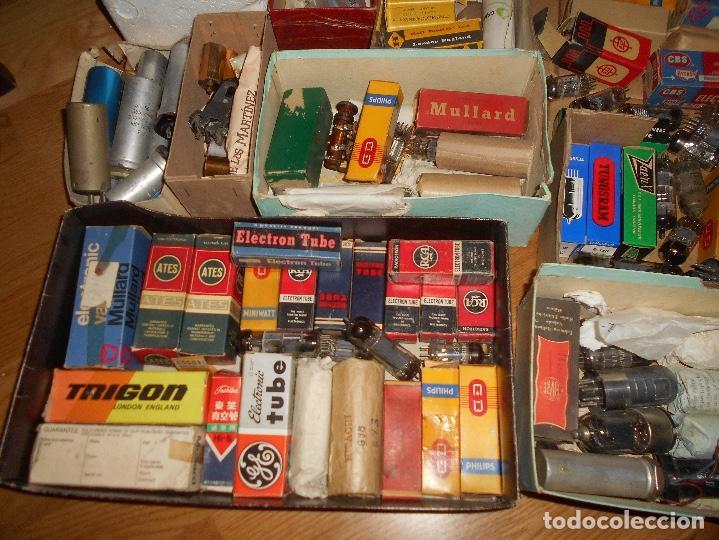 Radios antiguas: LOTE DE VALVULAS LAMPARAS CEBADORES CONDUCTORES ETC - Foto 3 - 168633372