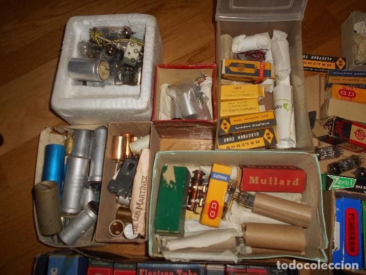 Radios antiguas: LOTE DE VALVULAS LAMPARAS CEBADORES CONDUCTORES ETC - Foto 13 - 168633372