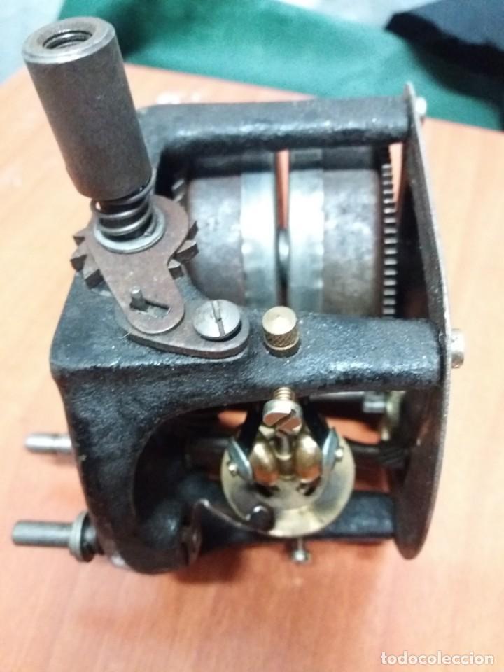 MOTOR GARRARD PARA GRAMOLA (Radios, Gramófonos, Grabadoras y Otros - Repuestos y Lámparas a Válvulas)