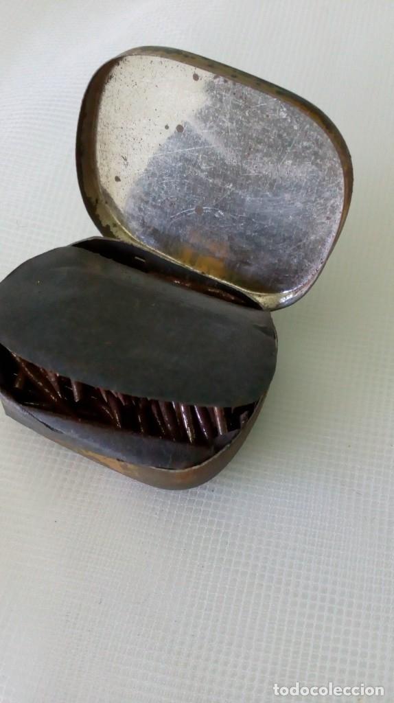 Radios antiguas: Antigua cajita de agujas de gramófono ´La Voz de su Amo´ - Foto 2 - 179066157