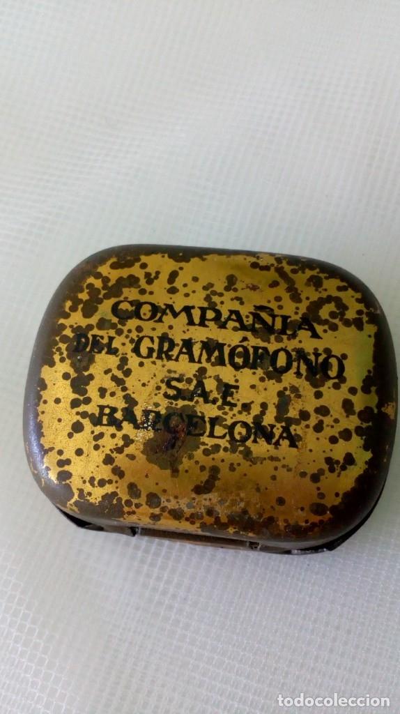 Radios antiguas: Antigua cajita de agujas de gramófono ´La Voz de su Amo´ - Foto 3 - 179066157