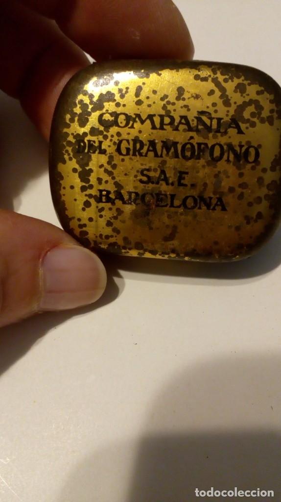 Radios antiguas: Antigua cajita de agujas de gramófono ´La Voz de su Amo´ - Foto 12 - 179066157