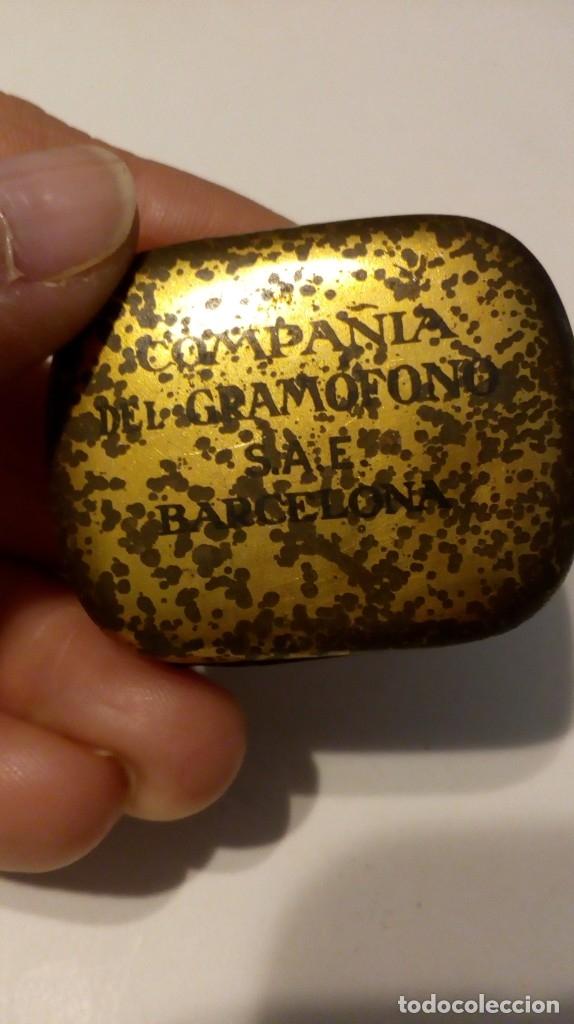 Radios antiguas: ANTIGUA CAJITA DE AGUJAS PARA GRAMÓFONOS ´LA VOZ DE SU AMO´ - Foto 10 - 179066756