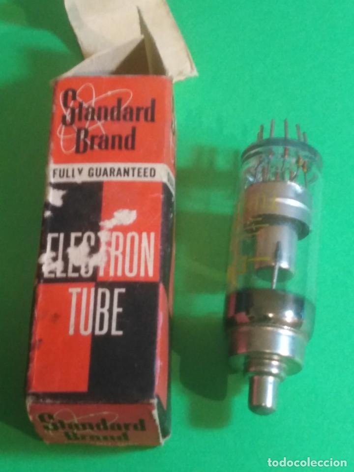 Radios antiguas: Válvula de aparato de radio - Foto 3 - 192846471