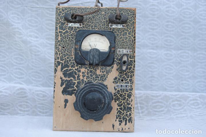 TRANSFORMADOR ANTIGUO CON VOLTIMETRO (Radios, Gramófonos, Grabadoras y Otros - Repuestos y Lámparas a Válvulas)