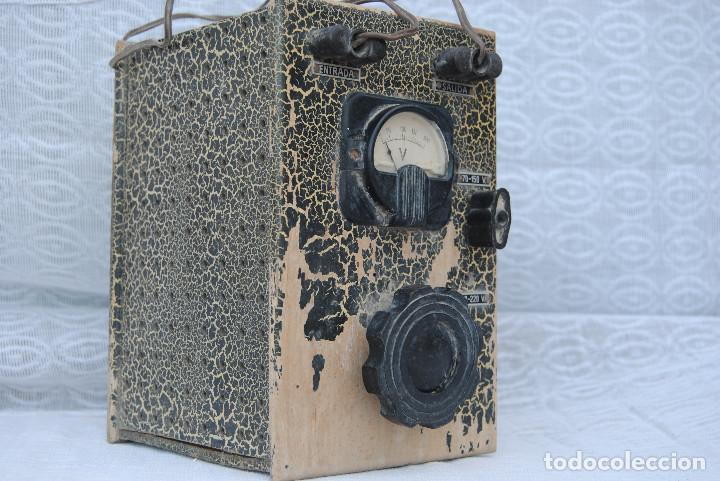 Radios antiguas: TRANSFORMADOR ANTIGUO CON VOLTIMETRO - Foto 2 - 195120180