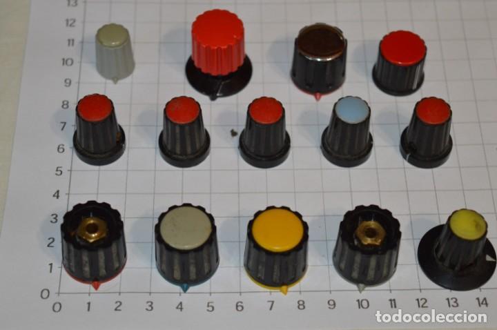 Radios antiguas: Lote BOTONES / BOTONERAS - Para RADIOS y EQUIPOS ANTIGUOS - Repuestos variados - ¡Mira! / Lote 05 - Foto 2 - 204197447