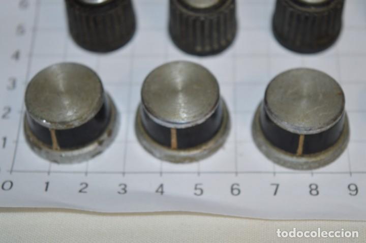 Radios antiguas: Lote BOTONES / BOTONERAS - Para RADIOS y EQUIPOS ANTIGUOS - Repuestos variados - ¡Mira! / Lote 17 - Foto 2 - 204410853