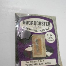 Radios antiguas: ANTIGUA AGUJA PARA PICK UP O TOCADISCOS NUEVA EN SU BLISTER BROADCASTER SAPPHIRE NEEDLE C 54. Lote 207034028